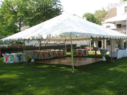 30 x 30 Traditional Frame Tent with Theatrical Lights