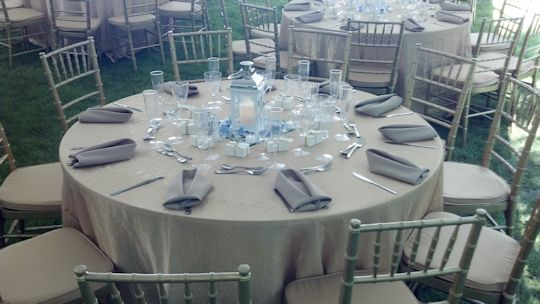 zoomed picture of table top formal seating