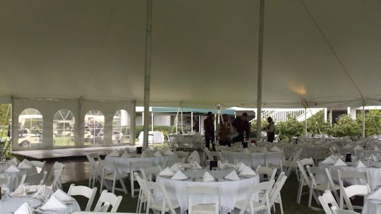 table set for the wedding un 60ft x 60ft tent